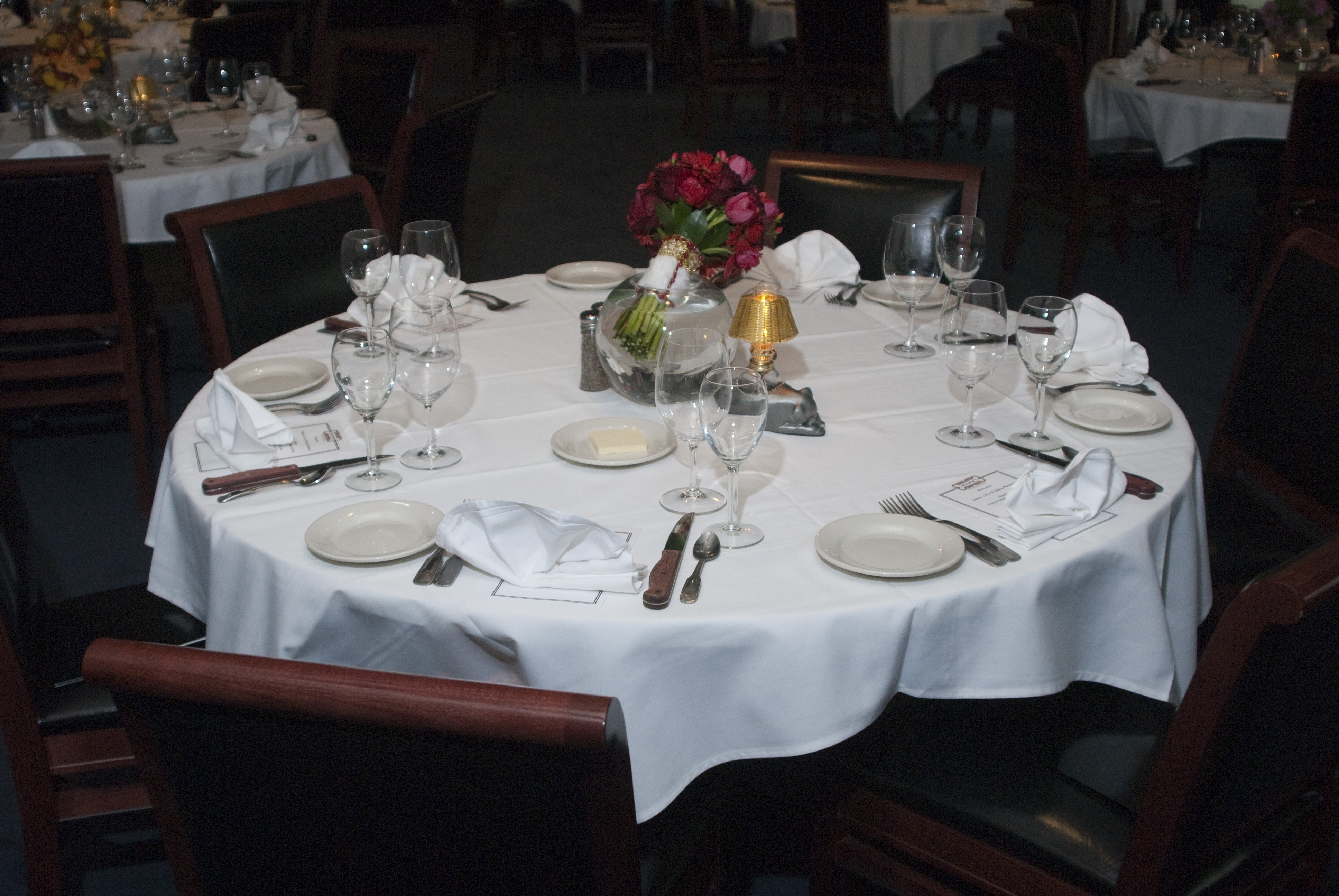 Restaurant table setup - These Phrases Describe One Of Atlanta S Best Restaurants Morton S The Steakhouse Exceptional Food And Wonderful Location