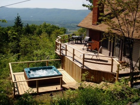 Mountain Cabin with square Hot Tub