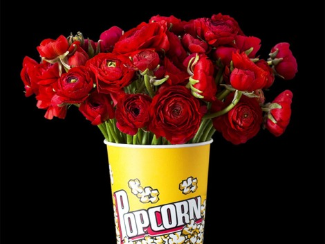 Oscar decor in popcorn container