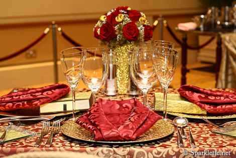 Oscar red-table-setting