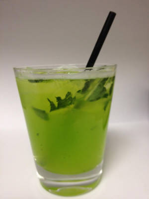 cos-11-green-lady-lgn-mdn