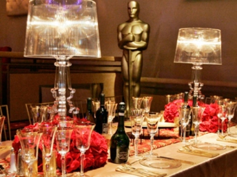 Elegant-Oscar-Party table with champagne