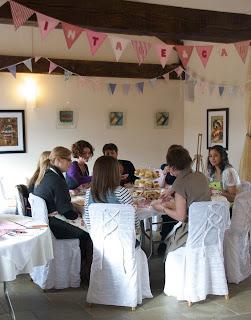 Vintageandcake blog ladies at table
