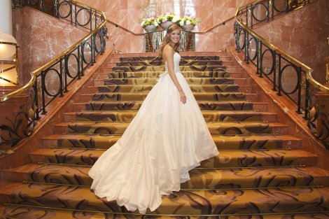 Bridal Portrait on Grand Staircase at the Four Seasons