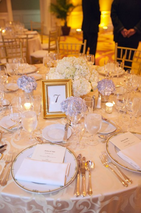 Guest Table decor by Chelsea Floral Design