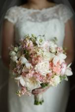 bride-holding-bouquet